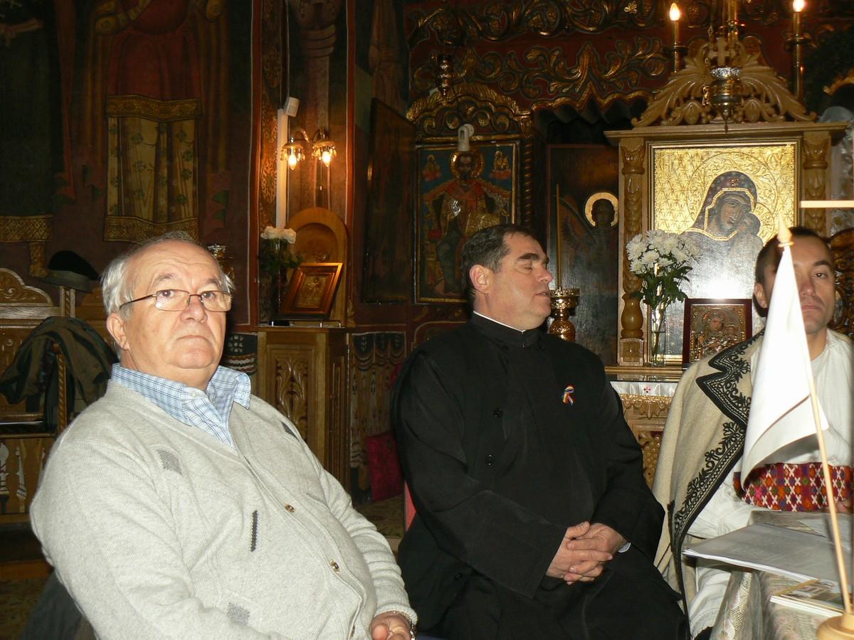 Doru Căpătaru şi Pr. Constantin Cârstea