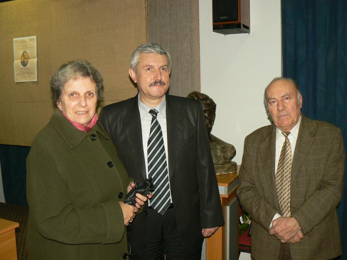 Pam Comisarschi, Emilian Frâncu Gh Dumitrascu