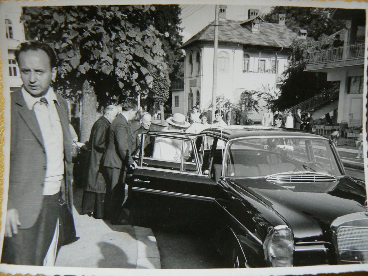 1973 Patriarhul Marina în vizită la Colecţia Gheorghe Petre din Govora