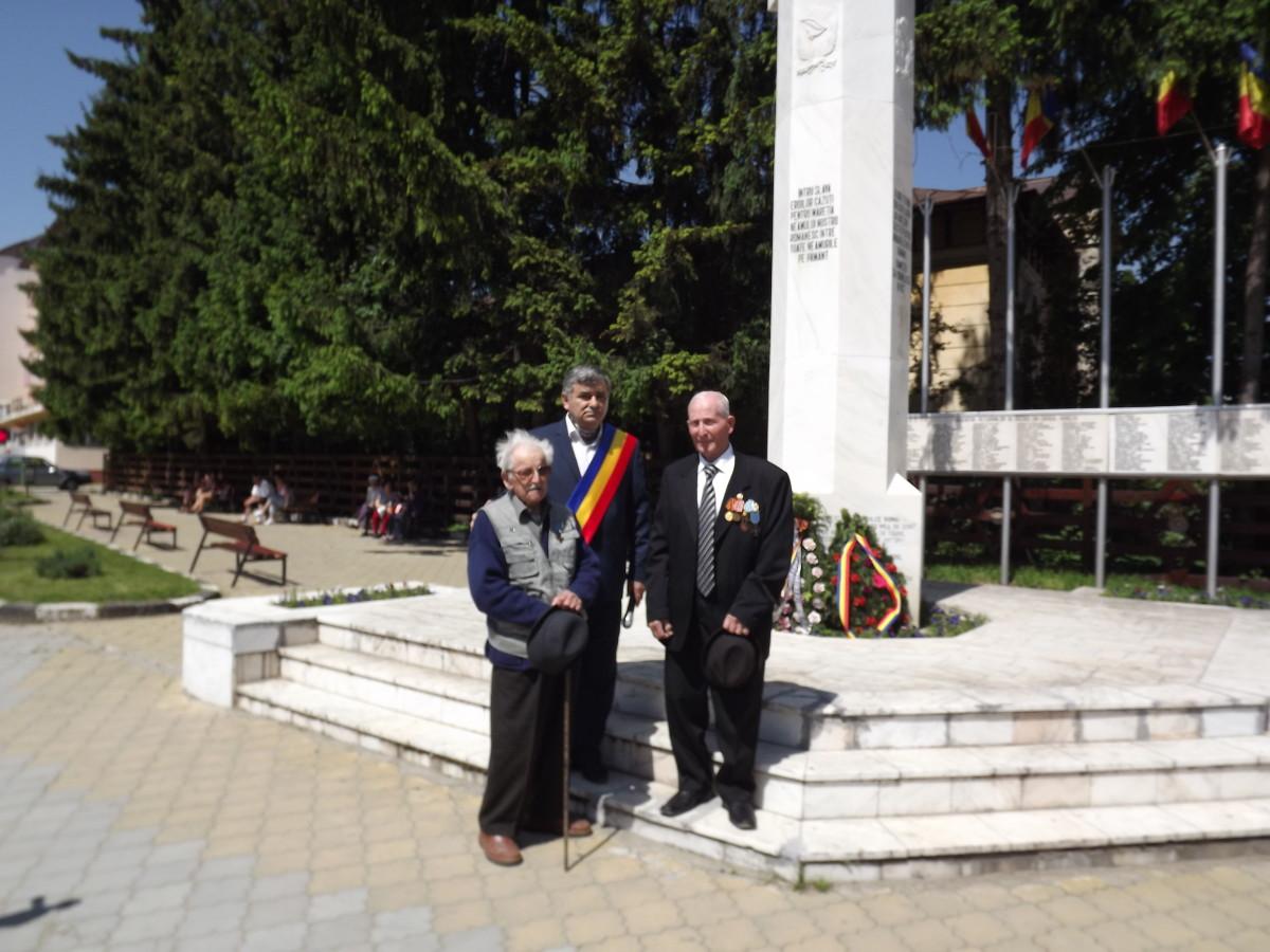 ziua Eroilor la Horezu la Monument